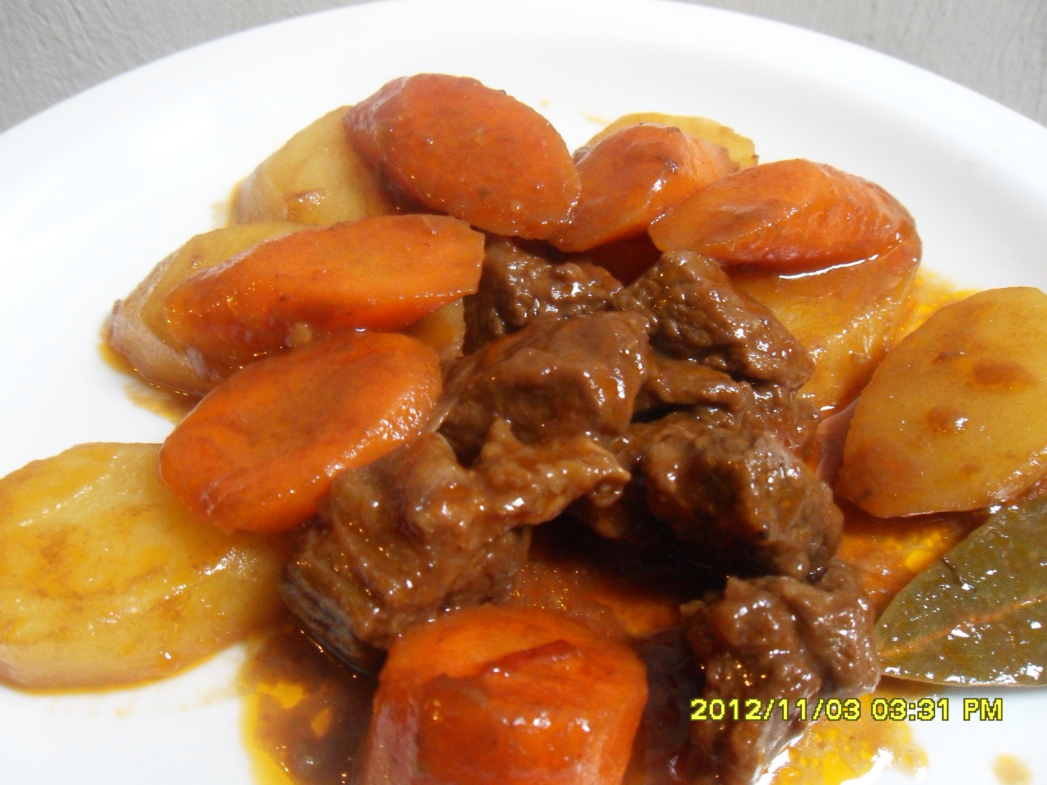 Afritadang Baka (Beef Afritada) - kusinaatbp.com